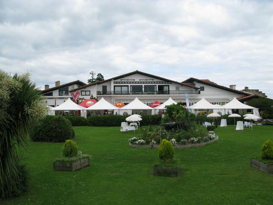 Hoteles de gipuzkoa hotel gudamendi for Hoteles con piscina en san sebastian