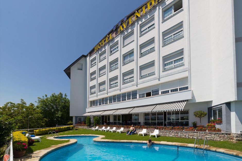 Hoteles de gipuzkoa hotel avenida for Hoteles con piscina en san sebastian