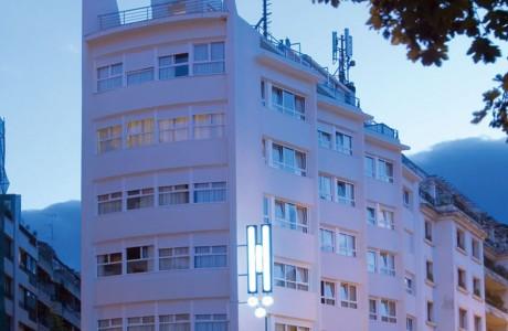 fachada hotel codina san sebastian